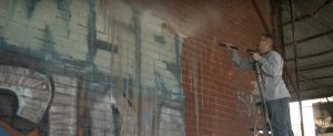 Čištění graffiti tlakovou vodou