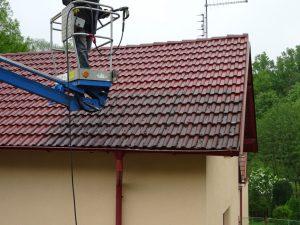 Čištění a příprava střechy na zimní období.